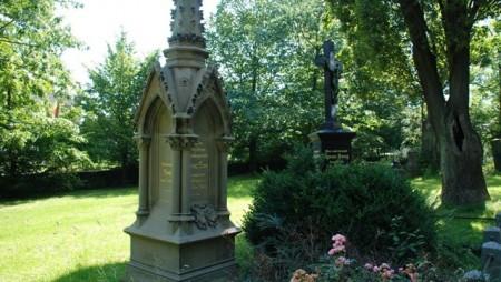 grabmale-skulpturen-einzeldenkmaeler-8